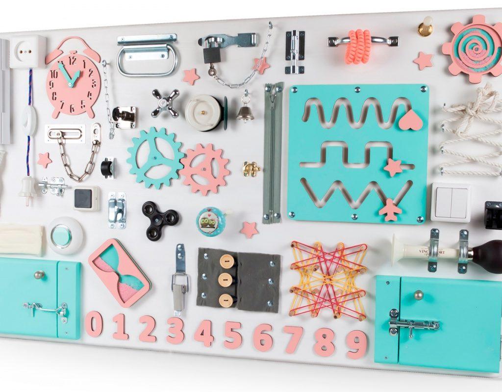 Производство бизибордов, игрушек для детей на лазерном станке CO2 гравере