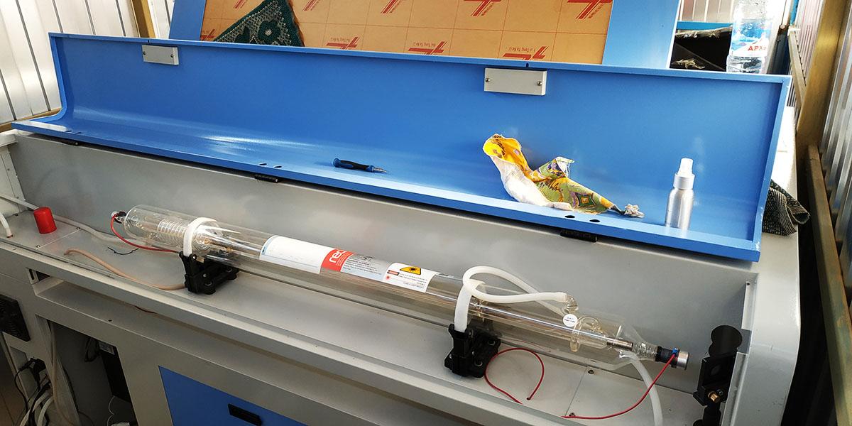 Была осуществлена пусконаладка и юстировка лазерного станка 1390 стороннего производителя в г. Красное Село.
